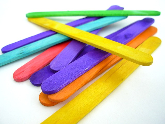 15 free Popsicle Sticks Crafts  and IDeas for Kids