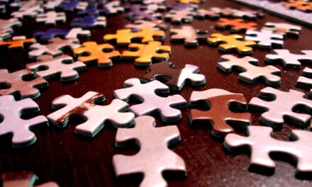 How To Organize A Jigsaw Puzzle to Make it Easier to Play