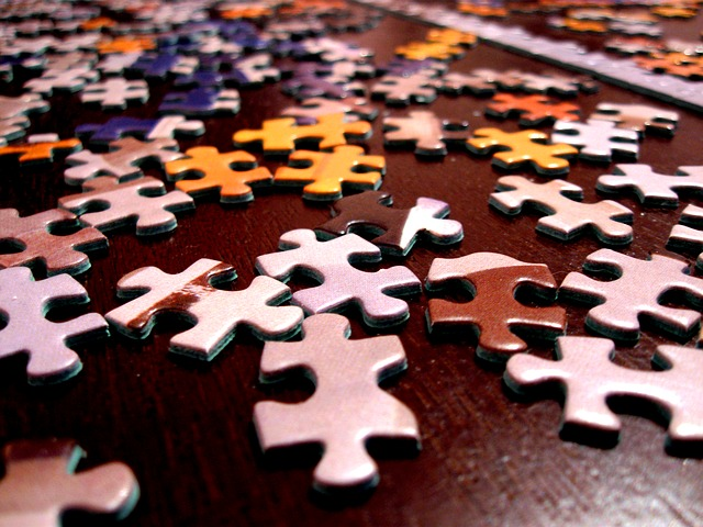 How to can you recycle a Jigsaw Puzzle